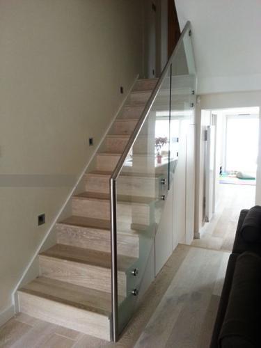 railing kaca 9